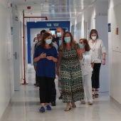 La Presidenta del Govern, Francina Armengol, y la Consellera de Salud, Patricia Gómez, en una visita al Hospital Can Misses de Ibiza.