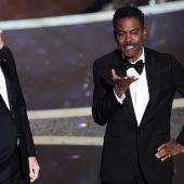 Los actores Steve Martin y Chris Rock, durante la gala de los Oscar 2020