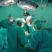 Intervención quirúrgica en el Hospital General Universitario de Elche.