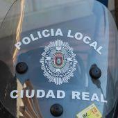 La Policía Local acudió al lugar del accidente