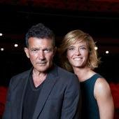 Antonio Banderas y María Casado posan en el Teatro del Soho Caixabank de Málaga