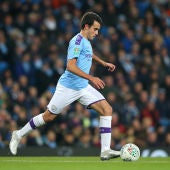 Eric García conduce el balón en el partido del Manchester City.