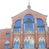 Façana de l'Hospital de Santa Creu i Sant Pau, gestionat per una  fundació
