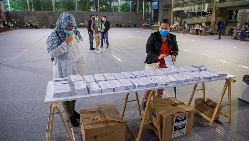 Horario elecciones: ¿A qué hora cierran los colegios electorales en Galicia y País Vasco?