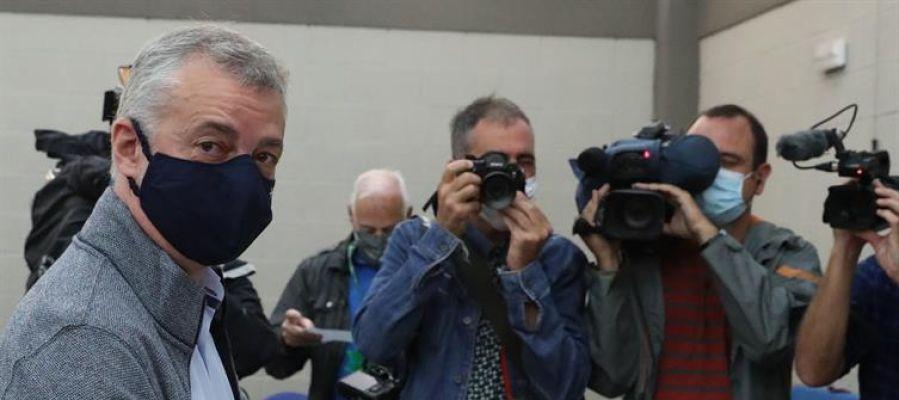 El lehendakari, Iñigo Urkullu, votando en las elecciones vascas 2020