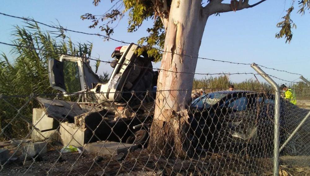 Coches siniestrados en el accidente en la carretera Elche-Dolores.