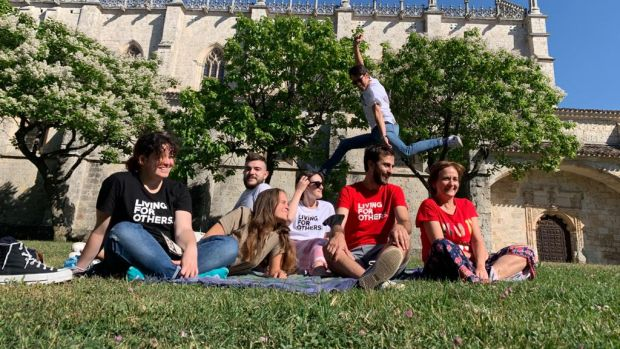 Universitarios del Campus de Segovia colaboran como voluntarios en un comedor social