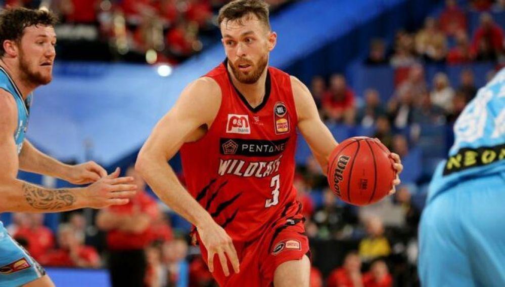 Nick Kay, con la camiseta de los Perth Wildcats.
