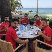 Jugadores UDL desayunan en Estepona