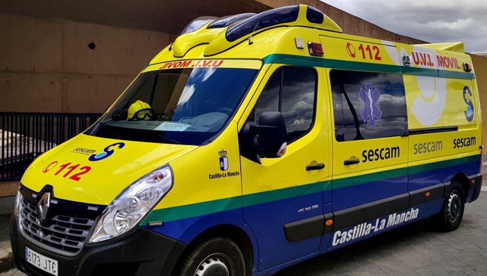 El herido fue trasladado al hospital en una ambulancia