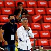 Quique Setién, en la banda del Camp Nou