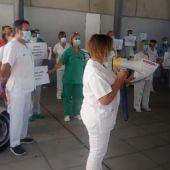 Concentración de los celadores en el Hospital Río Carrión de Palencia