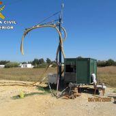 Imagen de un extractor ilegal de agua