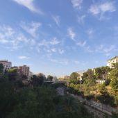 Vistas al puente del Río Vinalopó de Elche en la jornada de este jueves