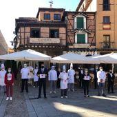 Representantes de la hostelería en señal de protesta