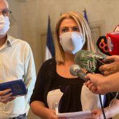 La alcaldesa de Jerez, Mamen Sánchez, y el delegado de Educación, Juan Antonio Cabello