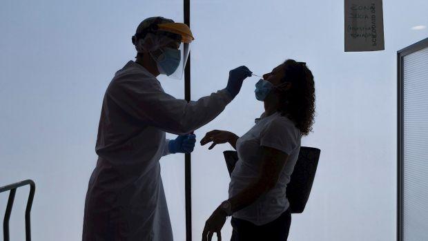 """La segunda oleada del coronavirus golpea con dureza la Atención Primaria: """"Estamos al borde del colapso"""""""
