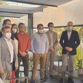 Representantes de AJE Ourense na reunion co Francisco Conde