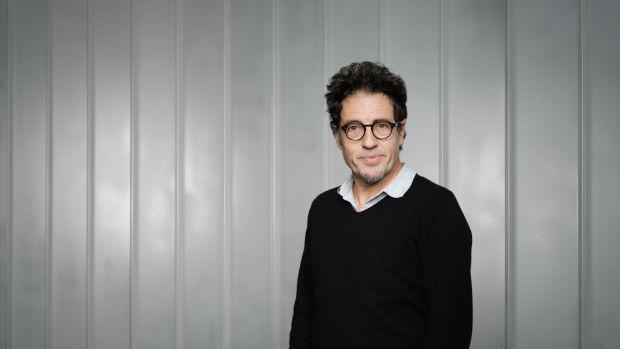 """Daniel Écija: """"'La Valla' tenía que hablar del futuro y desgraciadamente estamos muy familiarizados con situaciones de la serie"""""""