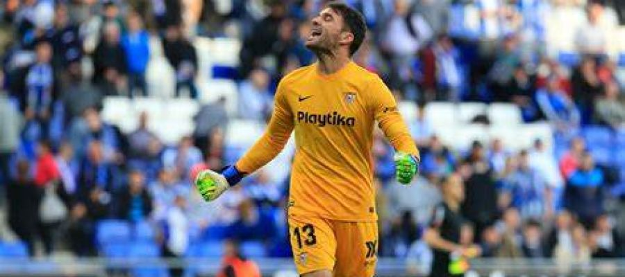 Juan Soriano, en un partido con el Sevilla.