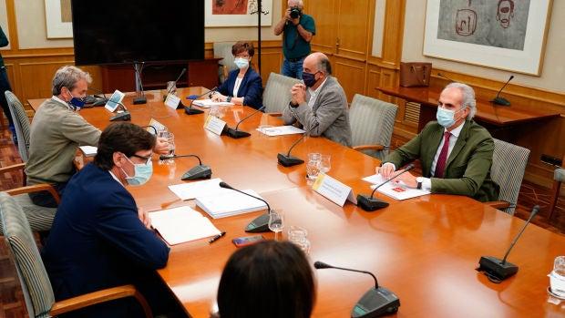 Reunión entre el ministro Salvador Illa y el consejero de Sanidad de Madrid