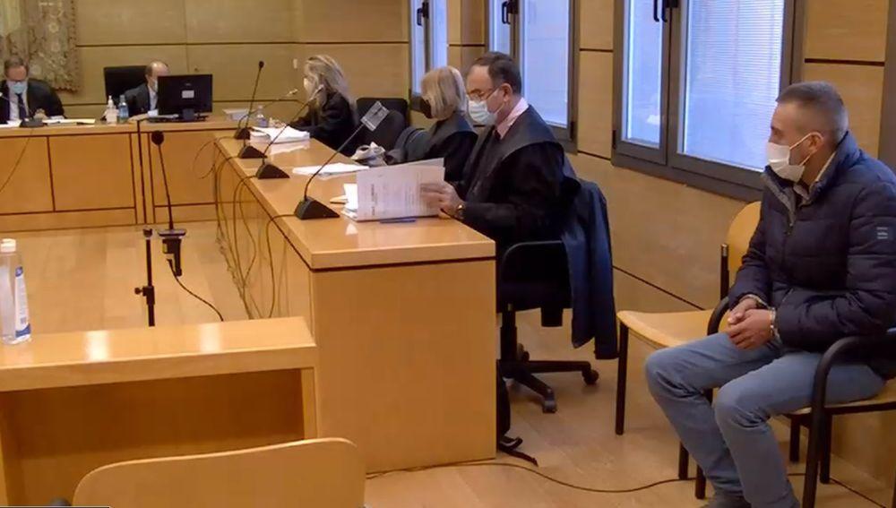 El condenado durante el juicio que se celebró en la Audiencia de Ciudad Real