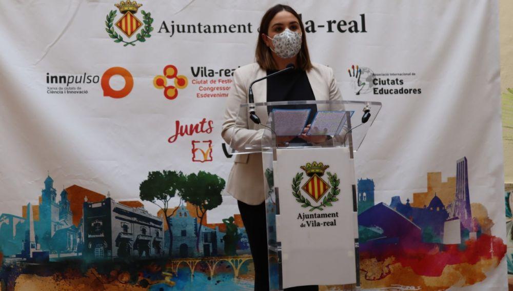 La regidora de Joventut, Anna Vicens ha presenntat l´Avançada Jove.