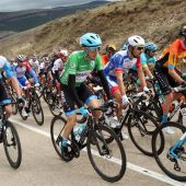 Dan Martin frustra a Carapaz y estrena la cima de Laguna Negra en la Vuelta a España; Roglic sigue líder