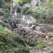 Trabajos de reparación cerca del río Júcar, en Cuenca