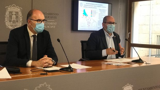 Los concejales Manuel Villar y José Ramón González