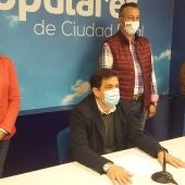 Miguel Ángel Valverde durante la rueda de prensa