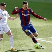 El defensa francés del Barcelona Clément Lenglet y el centrocampista del Real Madrid Fede Valverde