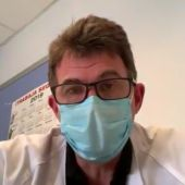 Enrique Bernal, médico del hospital Reina Sofía