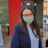 Mónica Oltra a las puertas del Edificio Prop de Alicante