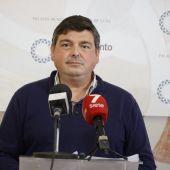Daniel Manrique, portavoz del Gobierno de Rota, en rueda de prensa