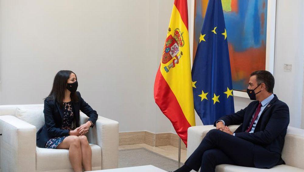 La líder de Ciudadanos, Inés Arrimadas, y el presidente del Gobierno, Pedro Sánchez