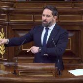 """Santiago Abascal califica a Pablo Casado de """"líder de la servil oposición"""""""