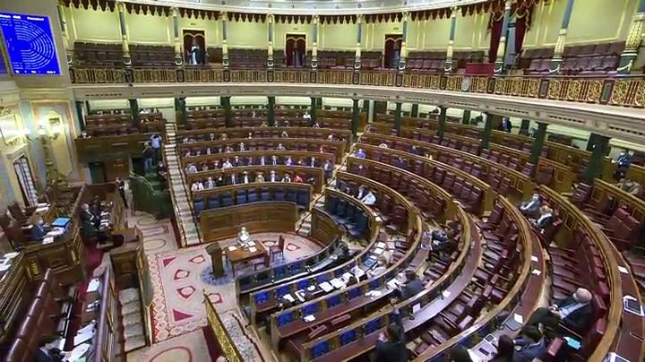 Tertulia: La ausencia de Sánchez en el debate del estado de alarma, a debate