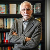 El escritor y académico Luis Mateo Díez