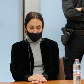 La acusada de la muerte de un niño de 8 años en Elda en 2017 en la Audiencia Provincial de Alicante.