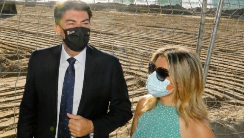 Luis Barcala y Mari Carmen Sánchez (archivo)