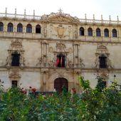 Fachada Universidad Cisneriana Alcalá de Henares
