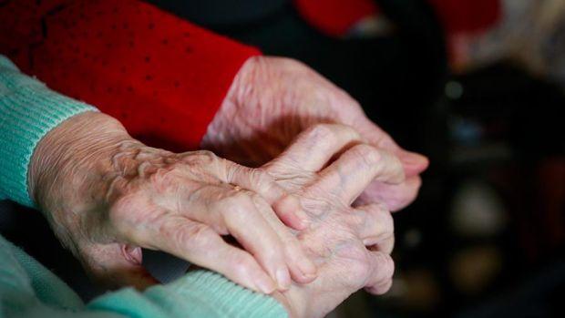 Las residencias de ancianos siguen amenazadas por la COVID
