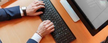 ¿Aceptarías una bajada de sueldo a cambio de trabajar cuatro días a la semana?
