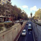 Tráfico rodado en Avenida Alemania de Palma con coches entrando en el túnel