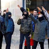 Los Mossos investigan las proclamas y cánticos franquistas tras el acto de Vox