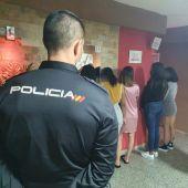 La Policía Nacional ha desarticulado en Elche una red que explotaba sexualmente a mujeres.