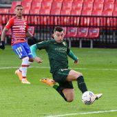 El Granada frustra primer triunfo oscense con 2 goles en la recta final