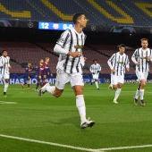 La Juventus golea al Barcelona en el Camp Nou y le arrebata el primer puesto de grupo en Champions League