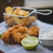 Un plato de fish and chips